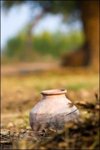 pot on grave