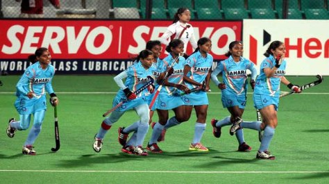 ind girls hockey team a