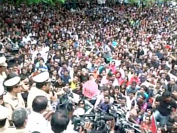 protest blr 6 yr old Large