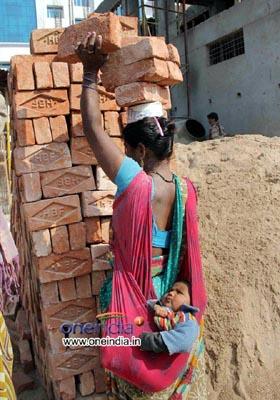 mother n labourer es