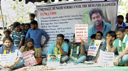 Students on fast at Rohit's suicide, Hyd univ