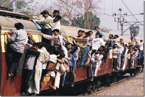 mumbai-crowded-train