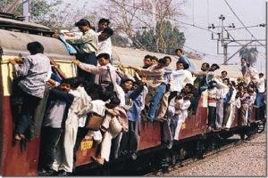 mumbai-crowded-train