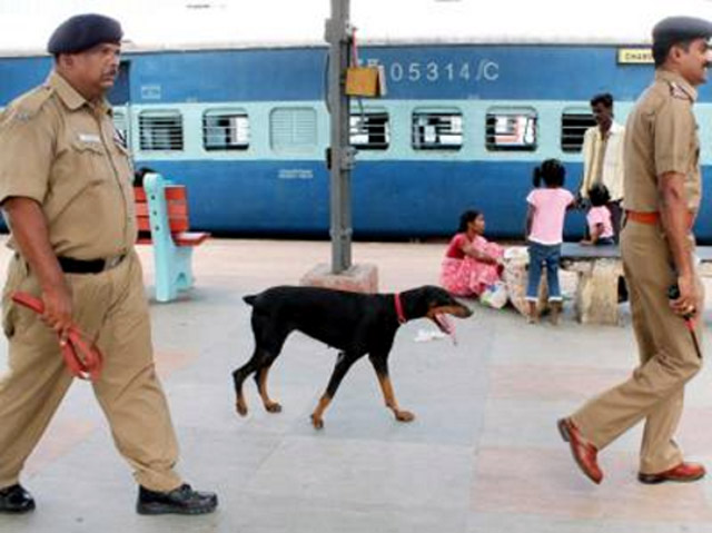 pol presence at railway stations