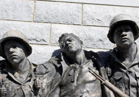 inj-sol-statue